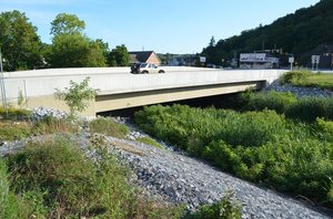 The Park Avenue redesign required construction of a new bridge that spans Brush Run near its southern terminus. An innovative design helped to expedite installation and minimize future bridge maintenance