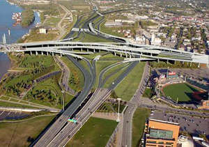 The Modified Alternative calls for rebuilding the Kennedy Interchange in its current location in order to ease congestion and improve safety