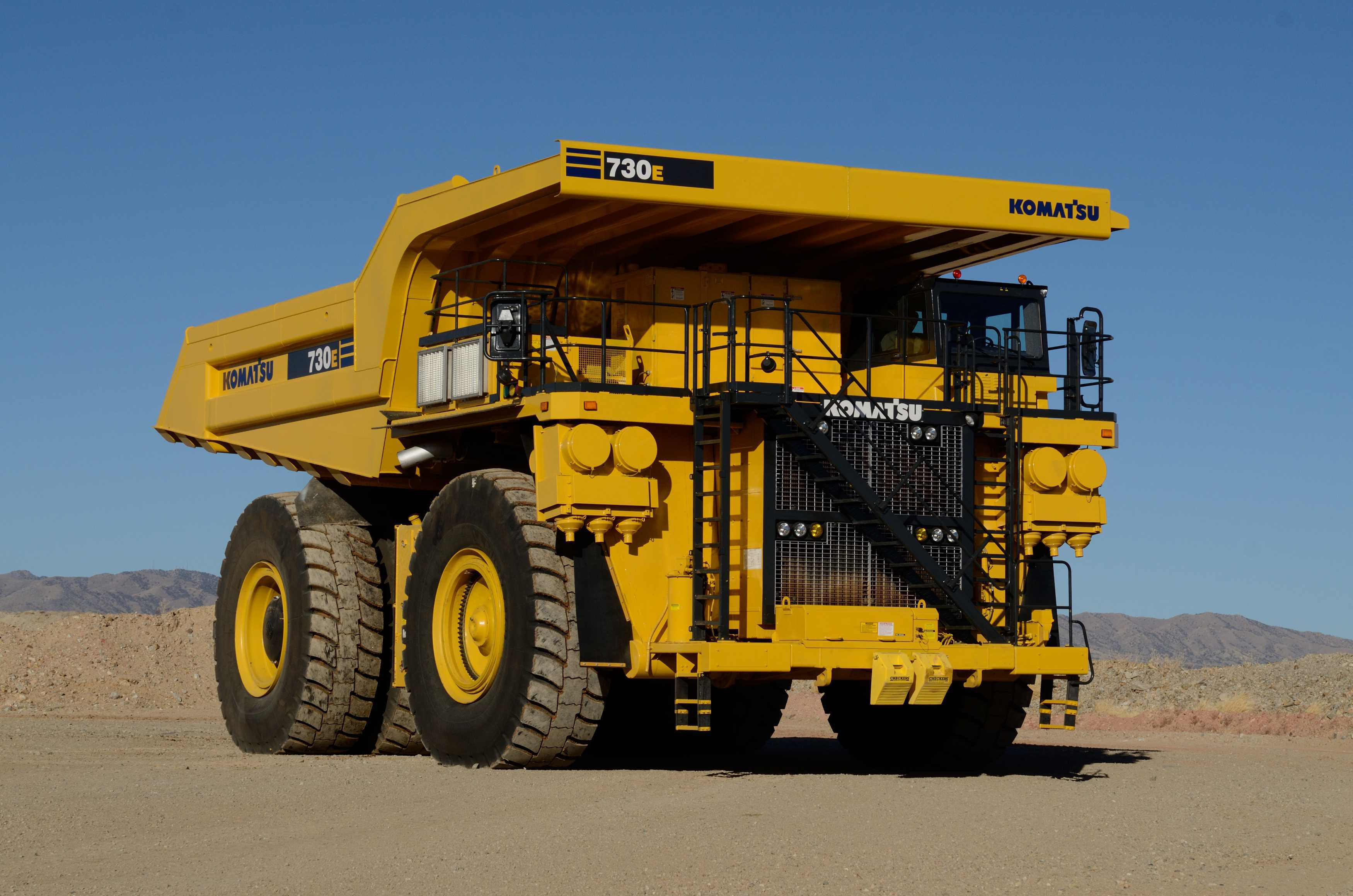 komatsu updates 730e mining truck with ac electric drive. Black Bedroom Furniture Sets. Home Design Ideas