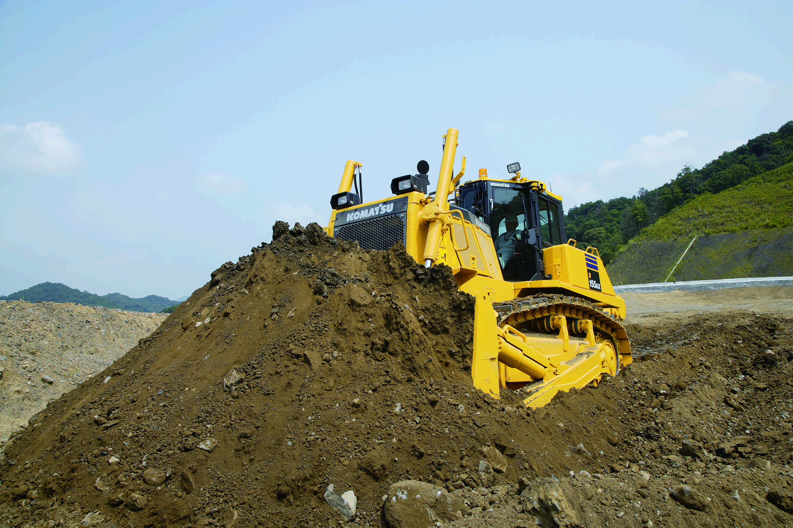 Market for crawler dozers over 210 horsepower recovers