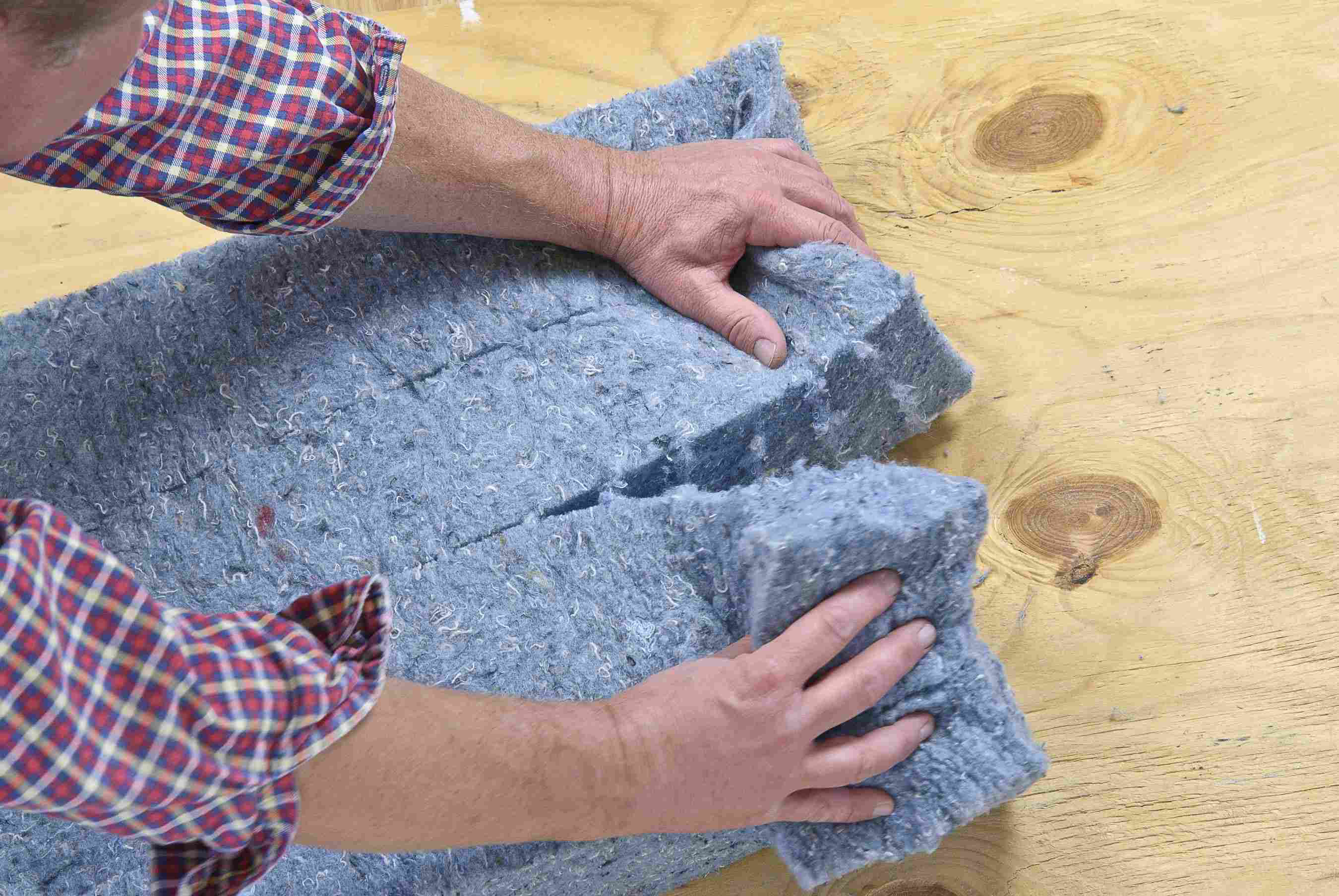 Ultra Touch Denim Insulation : Gear no itch with ultratouch recycled denim insulation