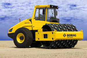 BOMAG BW211D-50 padfoot roller