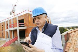 contractor using smartphone