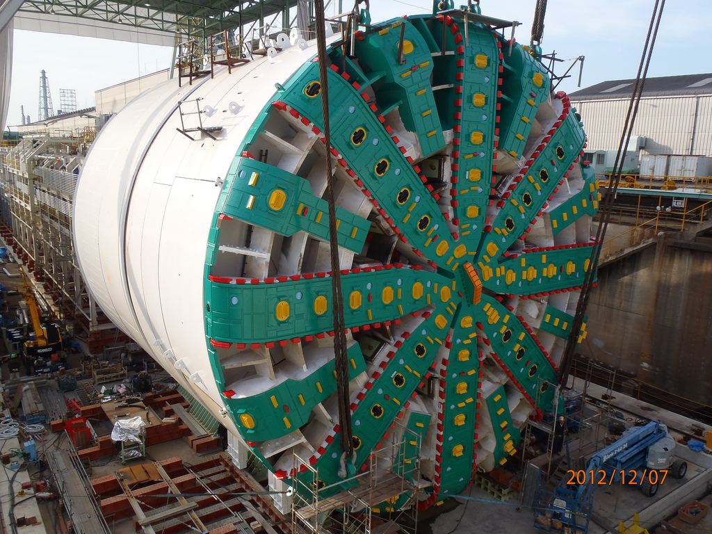 The nearly-assembled Bertha with cutterhead installed. Credit: WSDOT Flickr