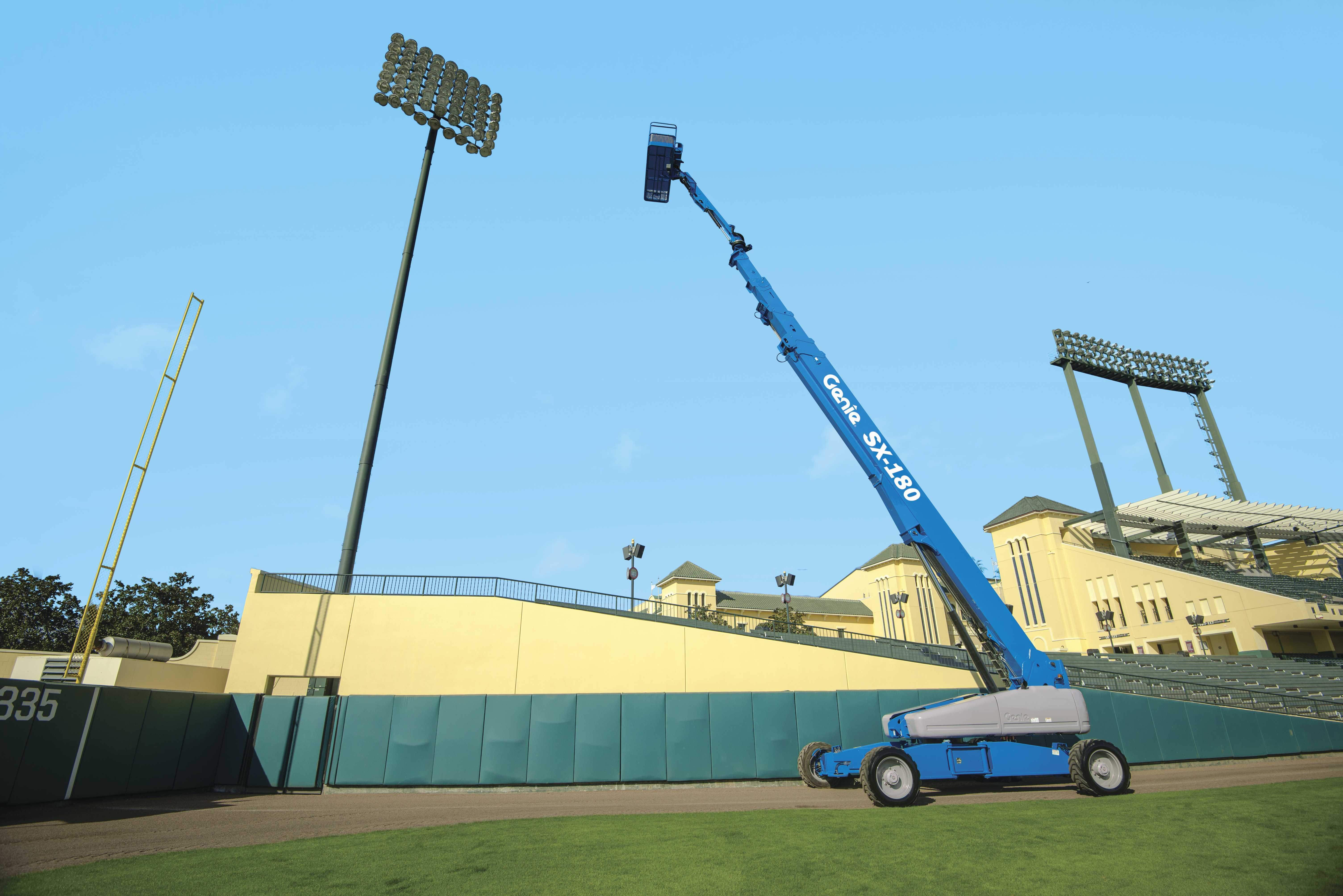 Tallest Aerial Lift : Genie introduces the sx quot world s tallest self
