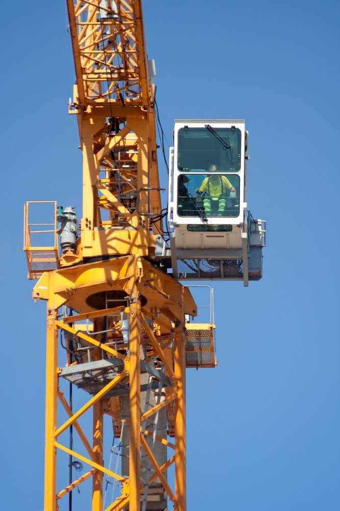 Contractors, manufacturers, AEM question new OSHA crane operator ...
