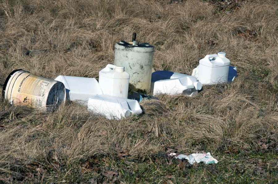 trash by road
