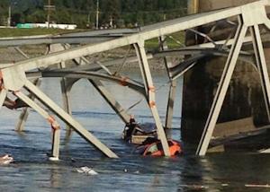 I-5 bridge collapse car