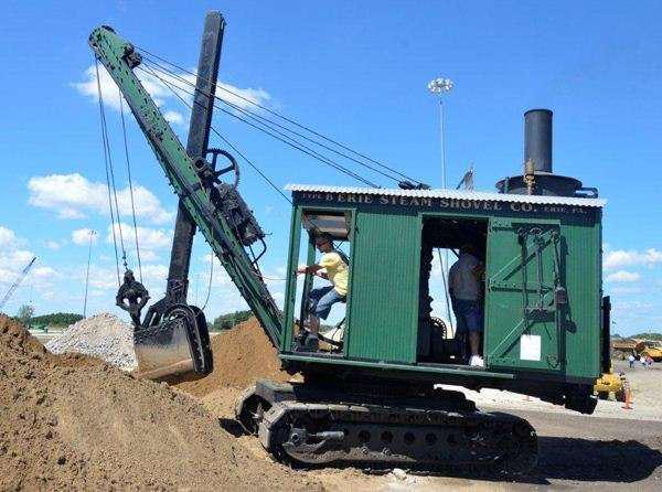 Erie B steam shovel
