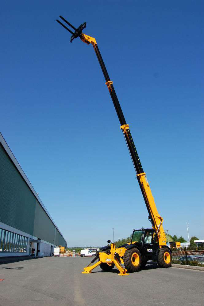 The new JCB 514 takes heavier loads up to 56 feet in the air and was designed with oil field and wind turbine construction and maintenance in mind.