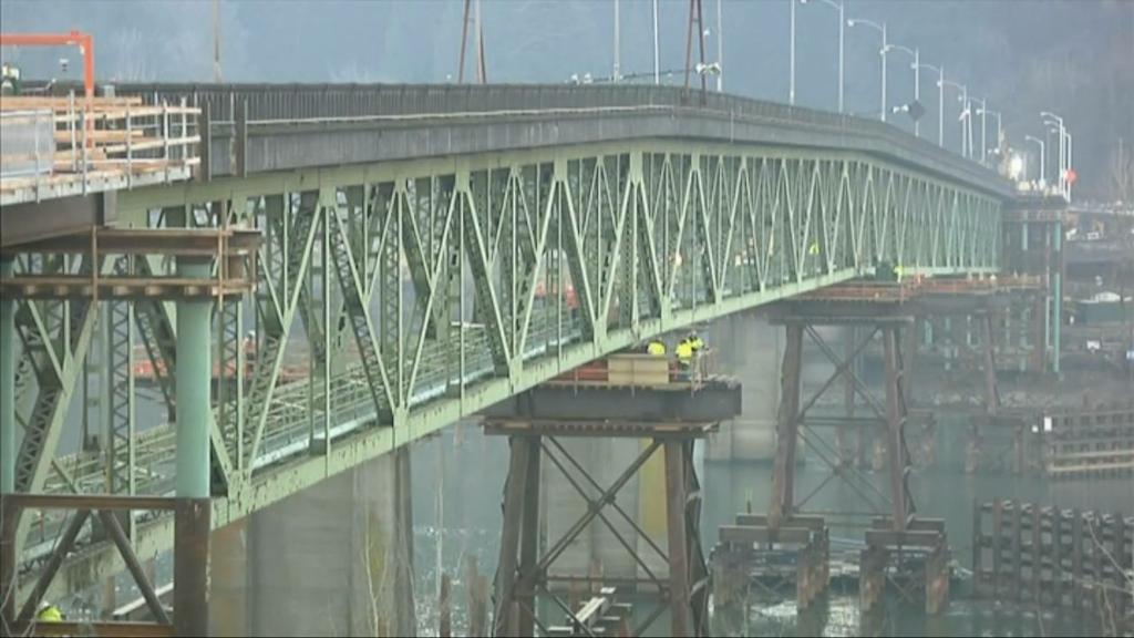 Sellwood Bridge move