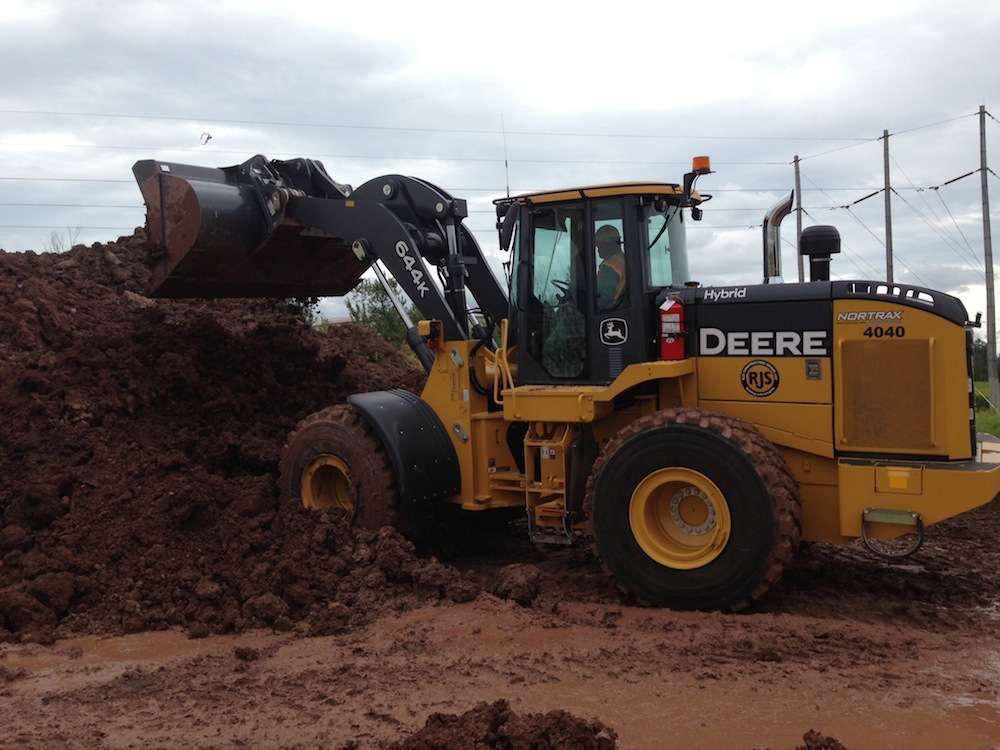RJS Construction John Deere 644K Hybrid loader
