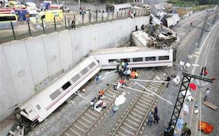 A high-speed train derailed near Santiago de Compostela, Galicia, Spain on July 25, 2013. (Photo: EPA via the Telegraph)