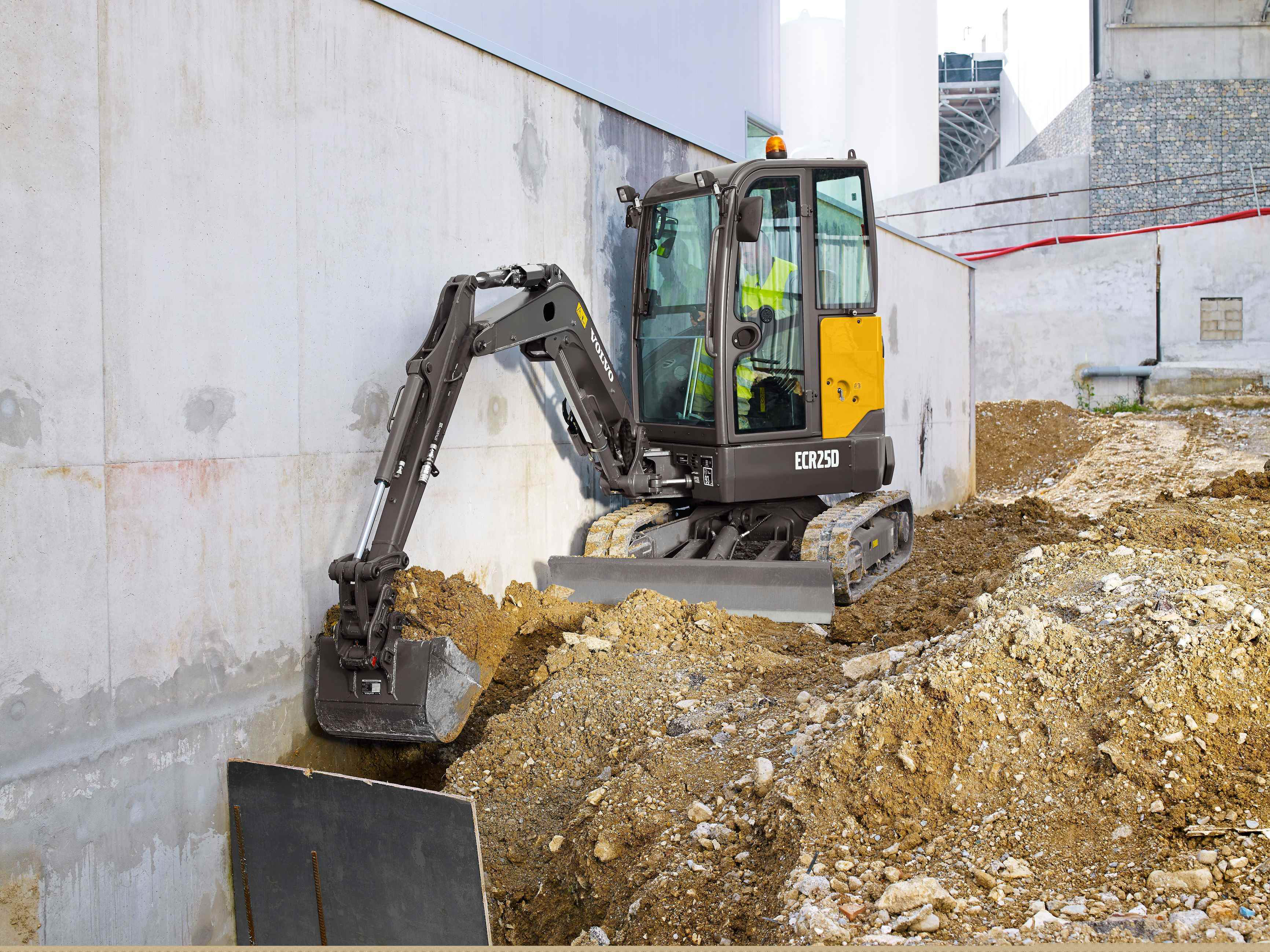 news selector latest thirteen excavator volvo ton pic with backhoe grab