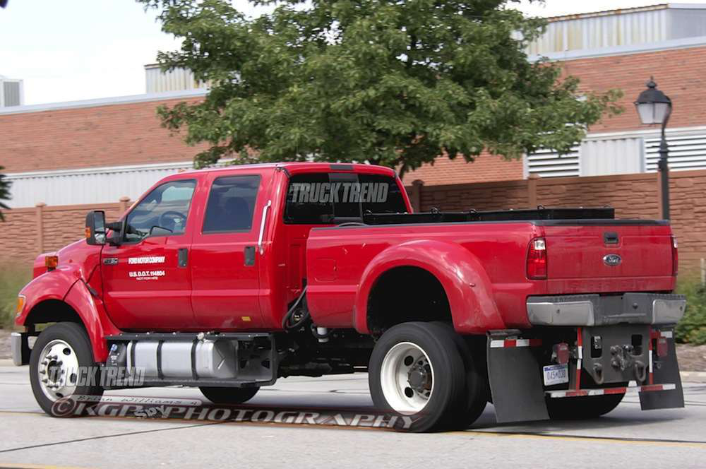 Spy Shots: Is this Ford F-750 a hydraulic hybrid prototype?