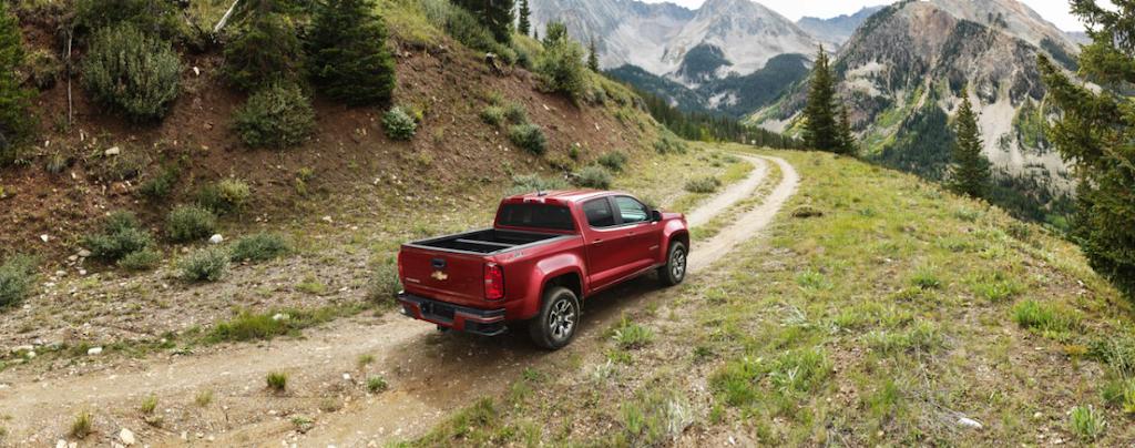 2015-Chevrolet-ColoradoZ71-011