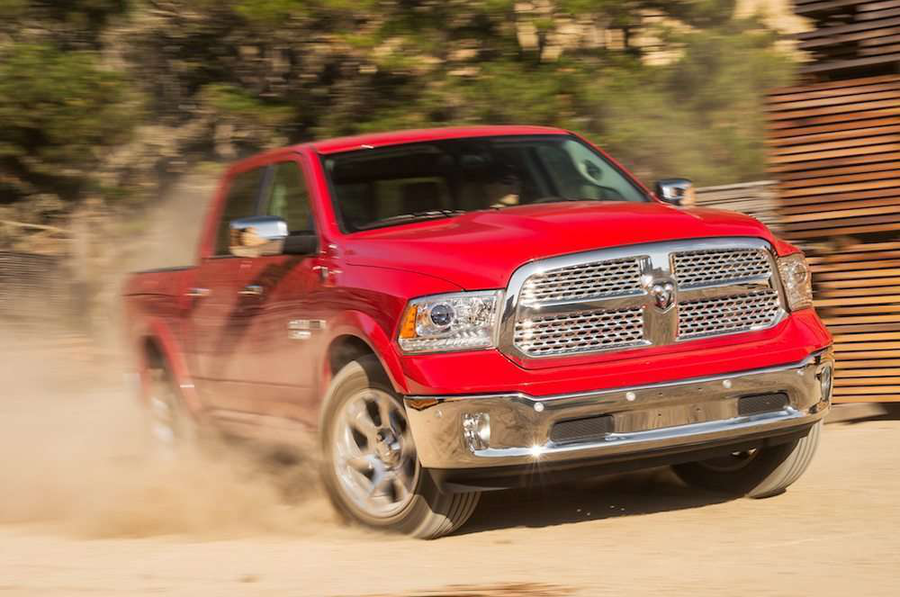 2014-Ram-1500-Ecodiesel-front-three-quarters-view-in-motion