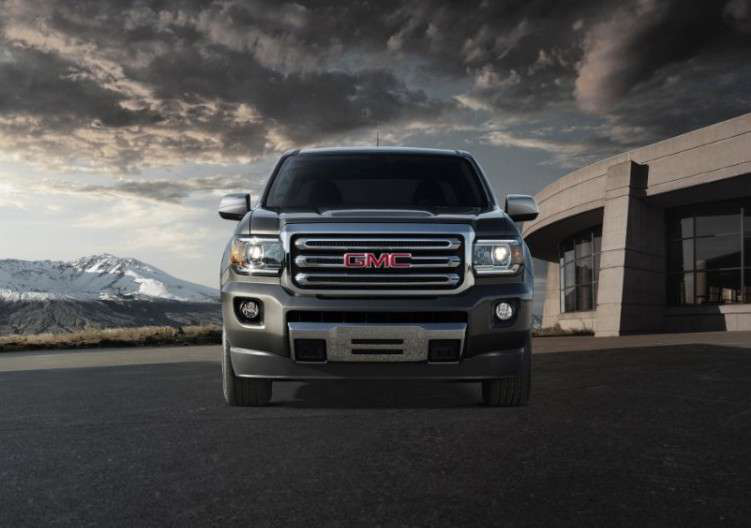 2015-GMC-Canyon-All-Terrain-Full-Front-008