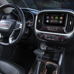 2015-GMC-Canyon-Interior-Detail-from-Passenger-Seat-016