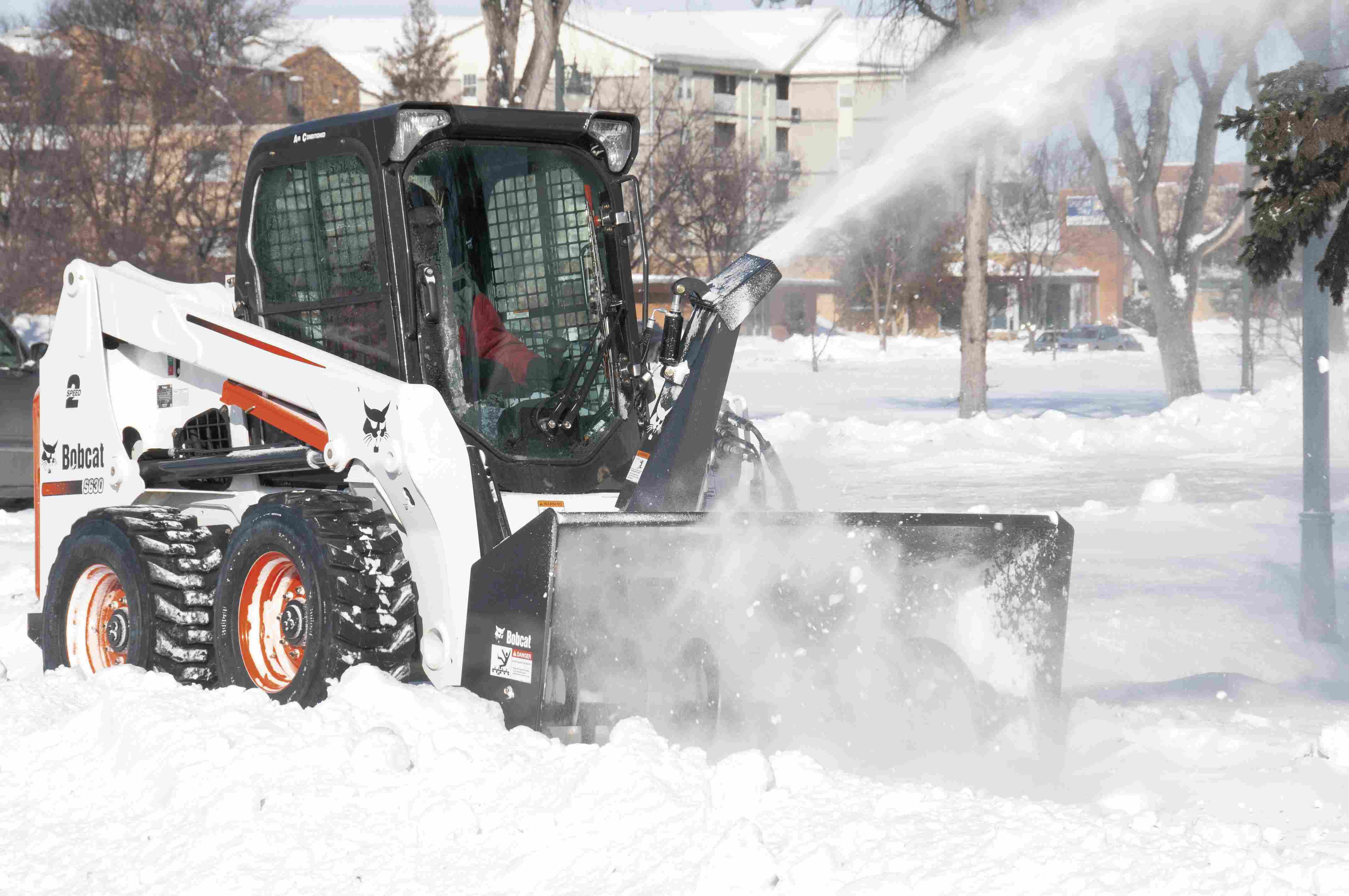 Bobcat releases Tier 4 600 frame-size skid steer, compact