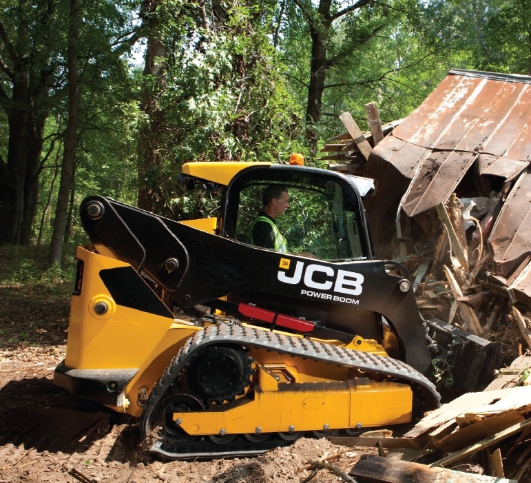 Powered by the Ecomax engine, which uses up to 9 percent less fuel than previous engines, the JCB 300T uses a new air filter design with a high-efficiency active scavenging pre-cleaner, extending air filter service life up to 500 hours. Electro-hydraulic controls give you three levels of response, from slow modulation for fine trimming, to faster controls for digging and loading.