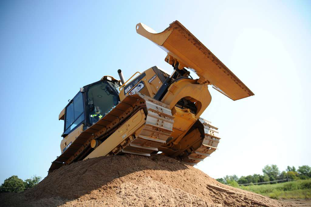Extreme Sandboxes: Could these 3 heavy equipment attractions