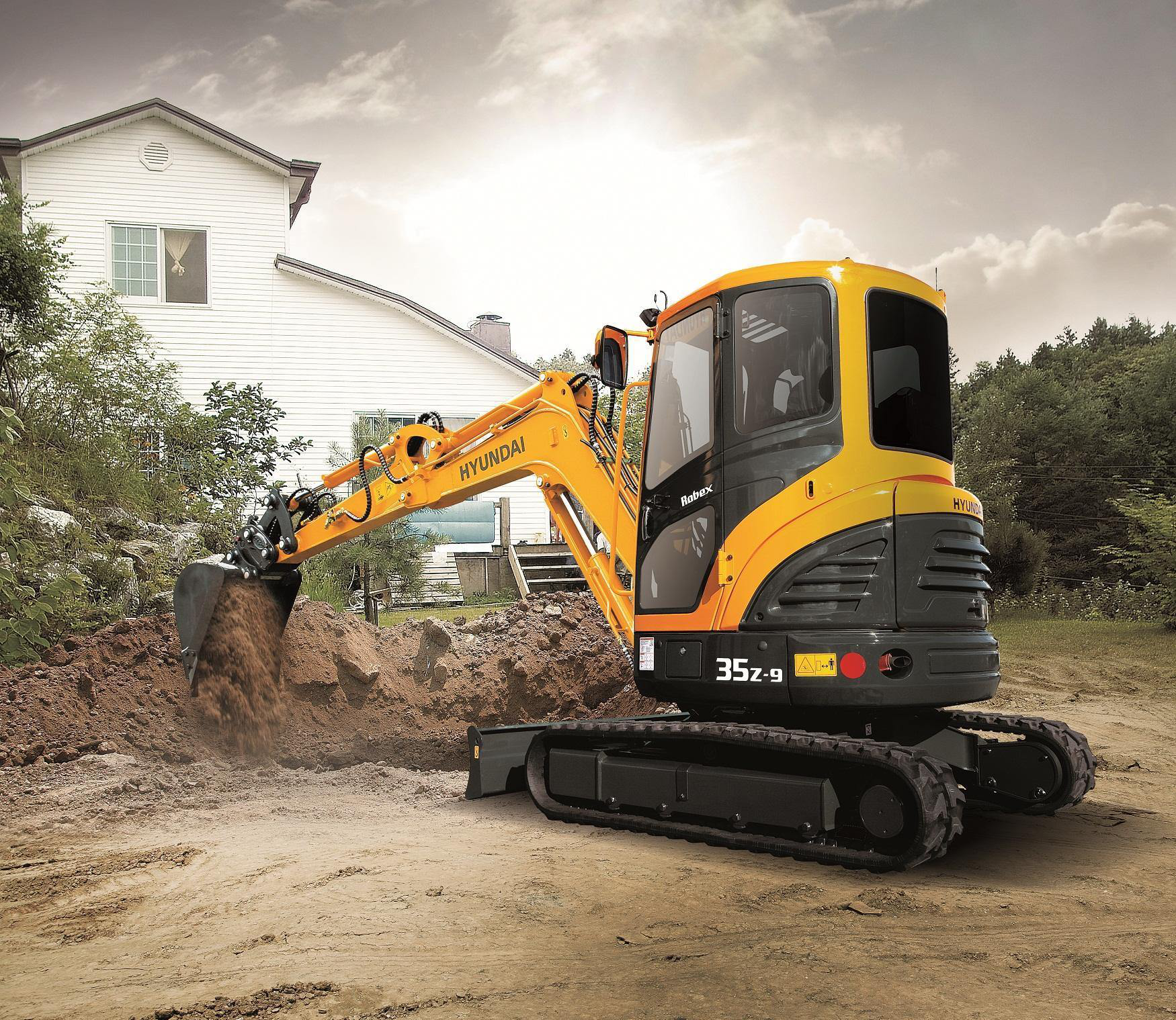 Hyundai R35z 9 Compact Excavator Performs In Tight Work Spaces