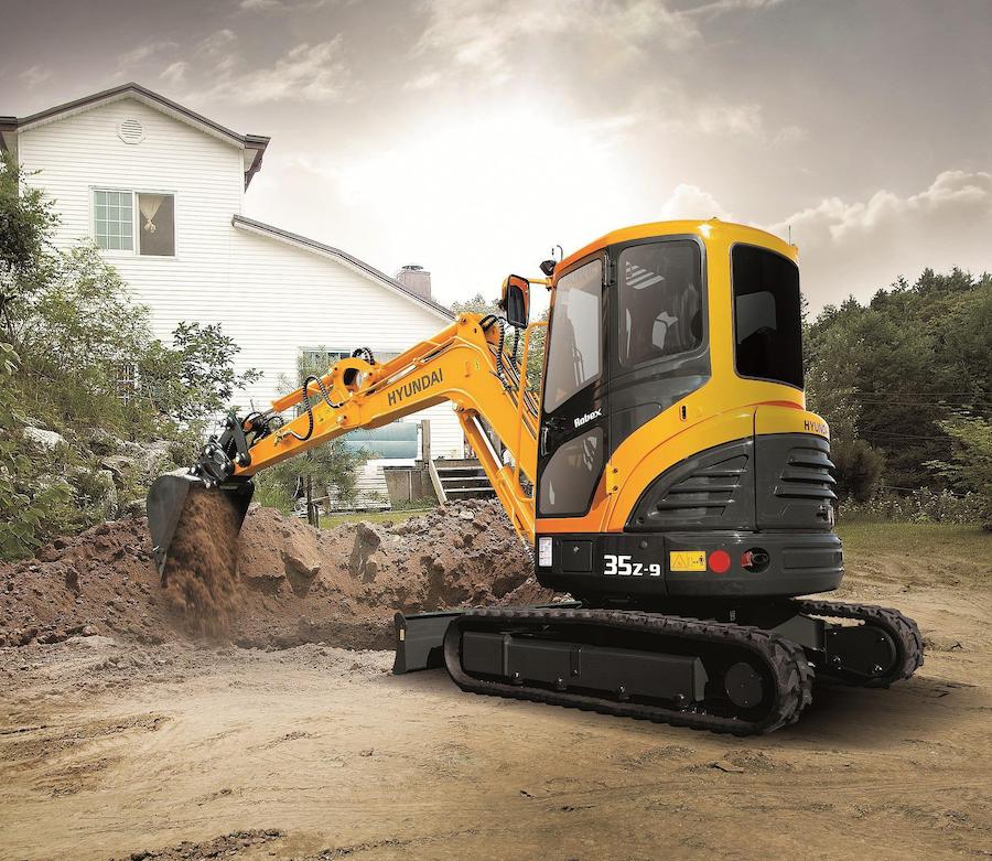 Hyundais-R35Z-9-Compact-Excavator-TLC-magazine-900x781