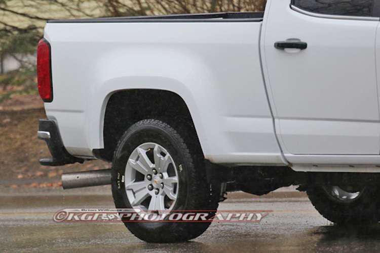 2016 Chevrolet Colorado Duramax diesel spy shot