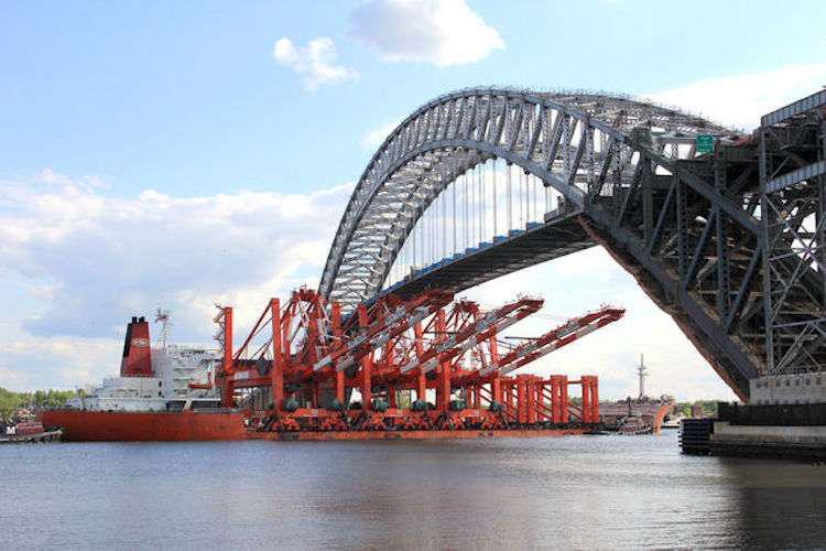 New Jersey mega shipping cranes