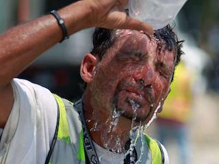 Construction-Worker-in-Heat