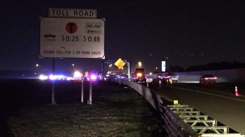 The scene of the crash. Credit: Josh Ault/NBC 5/Twitter: @JoshAultNBC5