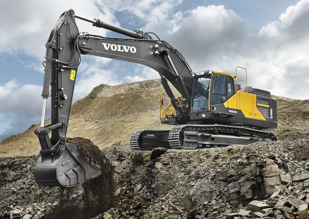 Volvo launches EC480E crawler excavator: high power, low fuel use