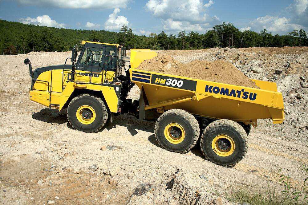 Komatsu HM300-5 articulated dump truckworking