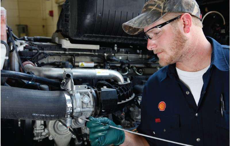 oil maintenance mechanic
