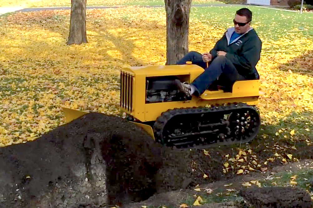 Video Best Dad Ever Builds Drivable Mini Caterpillar
