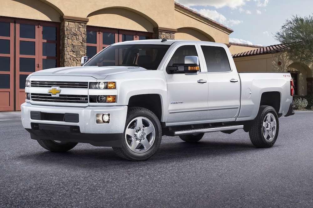 Chevrolet unveils 2015 Silverado Custom Sport HD pickups ...