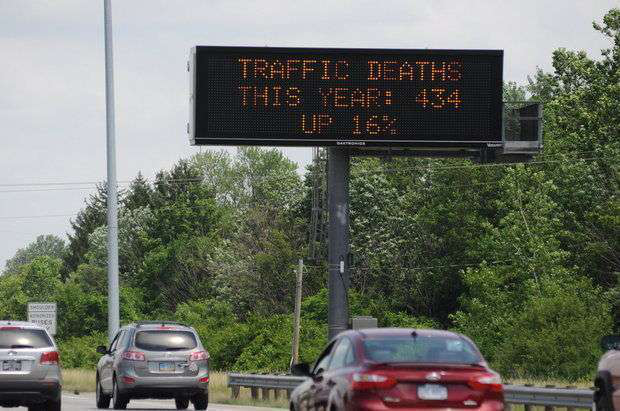 Ohio to begin displaying traffic fatality stats on highway