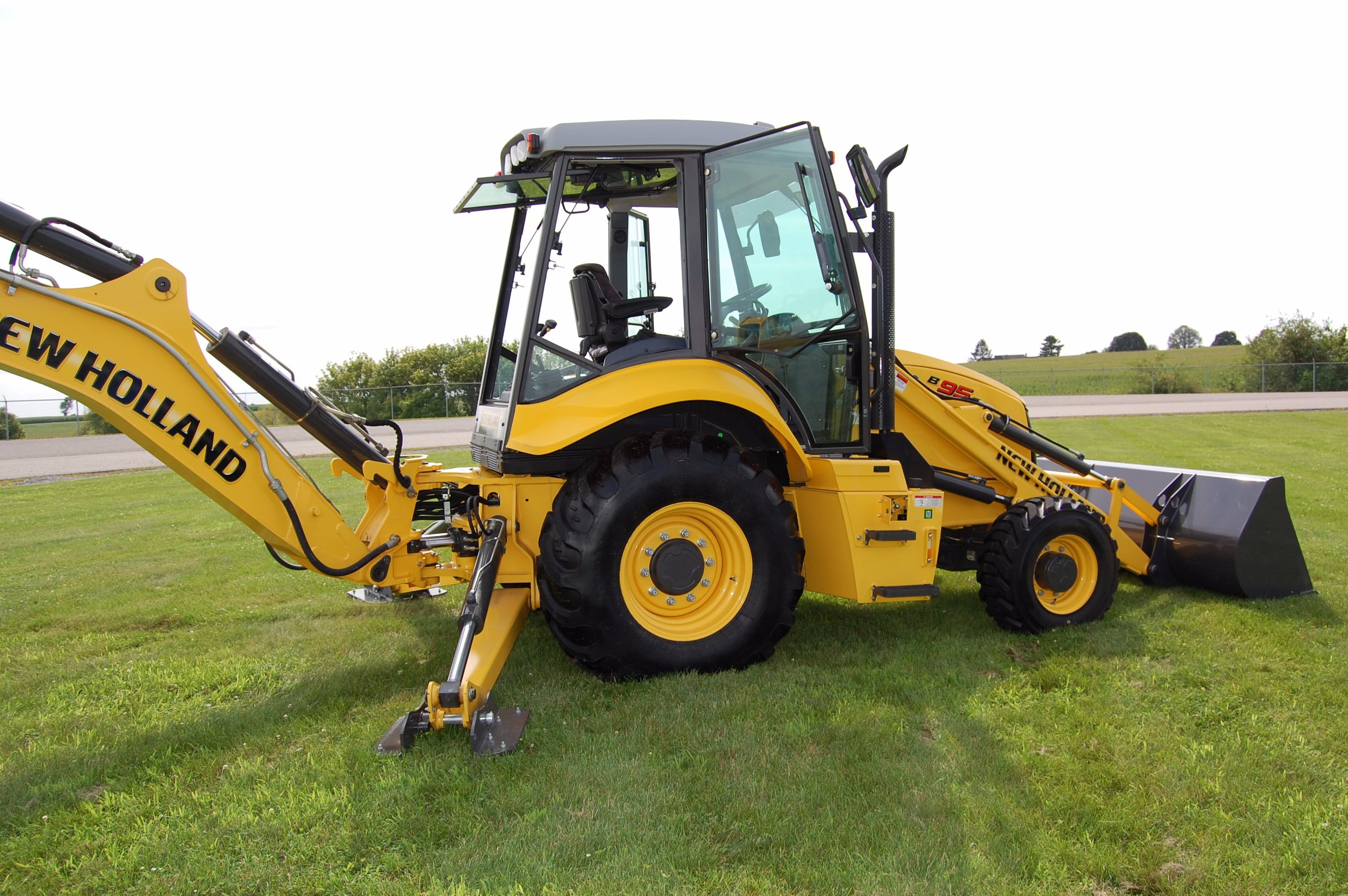 New Holland upgrades backhoe, skid steer lines with power ...