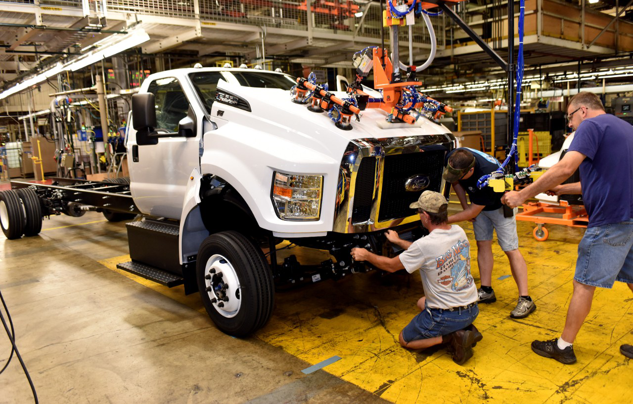 first american made ford f 650 f 750 models roll off the assembly line. Black Bedroom Furniture Sets. Home Design Ideas
