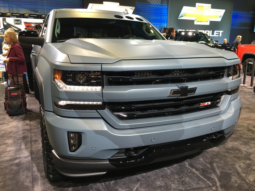 chevy unveils 2016 special ops silverado a pickup whose paint scheme gives it a bit of combat. Black Bedroom Furniture Sets. Home Design Ideas