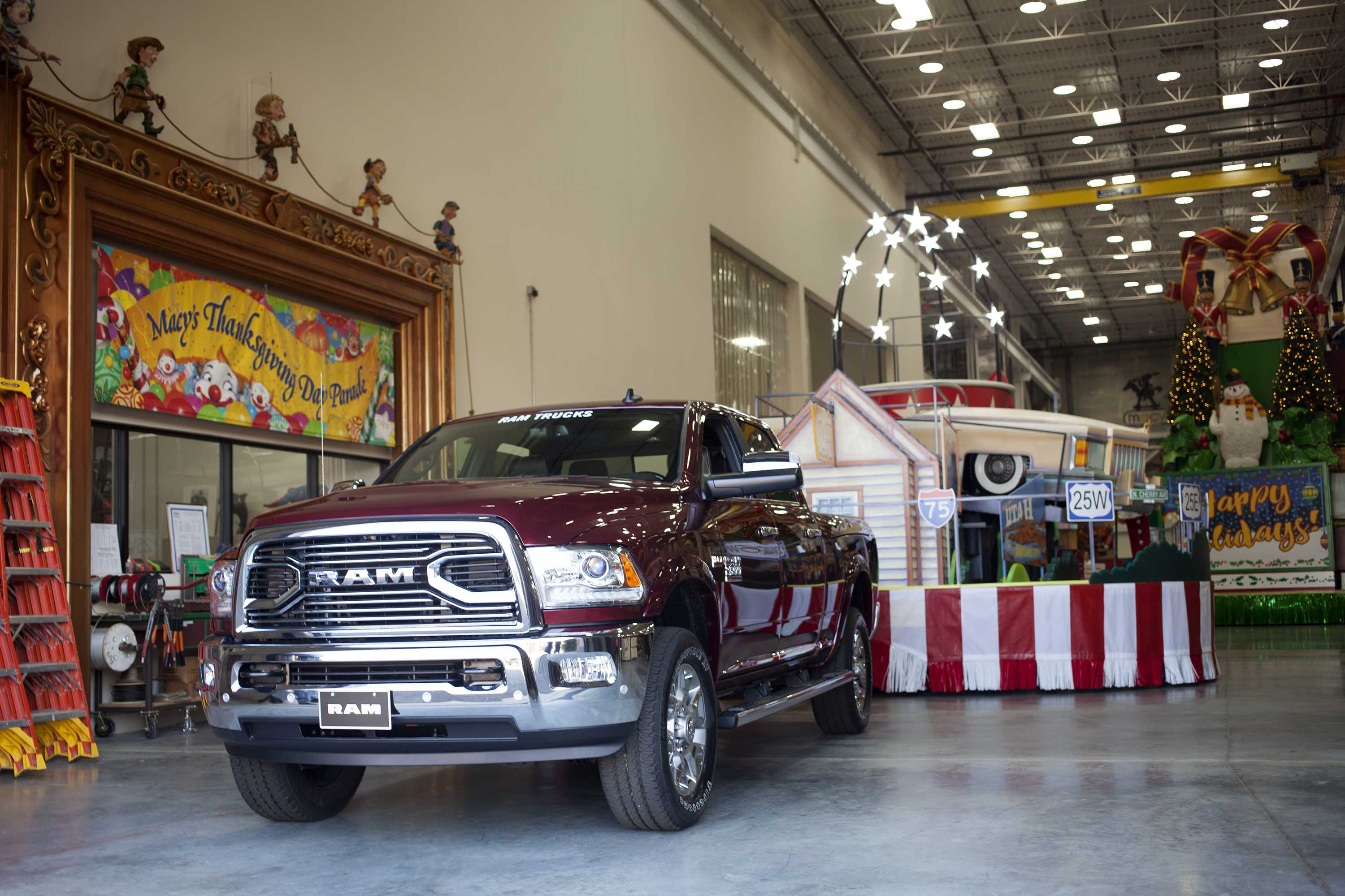 2015 Ram 1500 Towing Capacity >> How a convoy of Ram pickups will serve as the backbone of ...