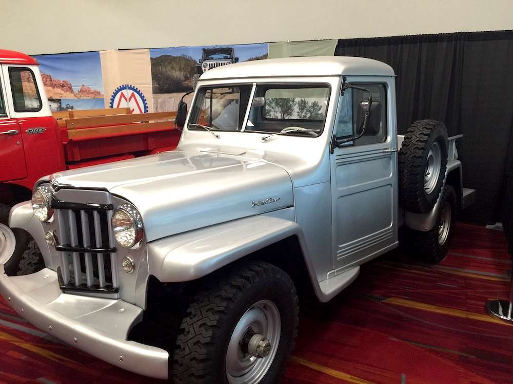 Photos  U0026gt  Vintage Jeep Trucks Display 3 Eras Of Company U0026 39 S