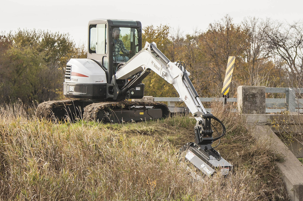 Bobcat Intros 40 Inch Fmr Flail Mower Attachment For