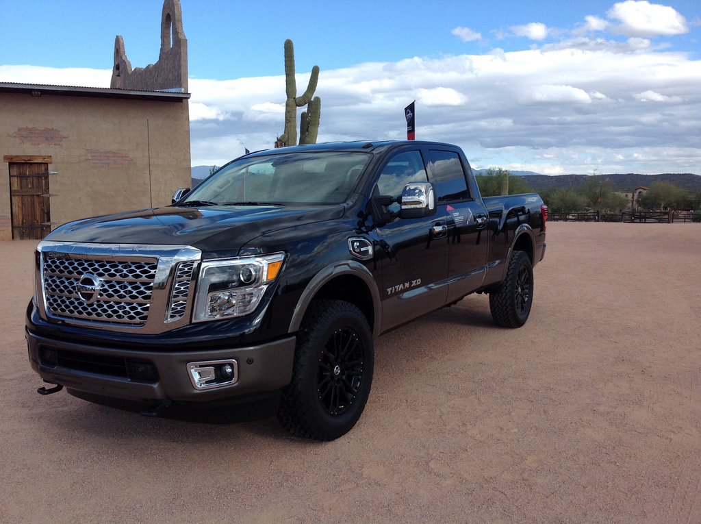 review 2016 nissan titan xd 39 s 5 0l cummins puts this truck in a class of its own videos. Black Bedroom Furniture Sets. Home Design Ideas