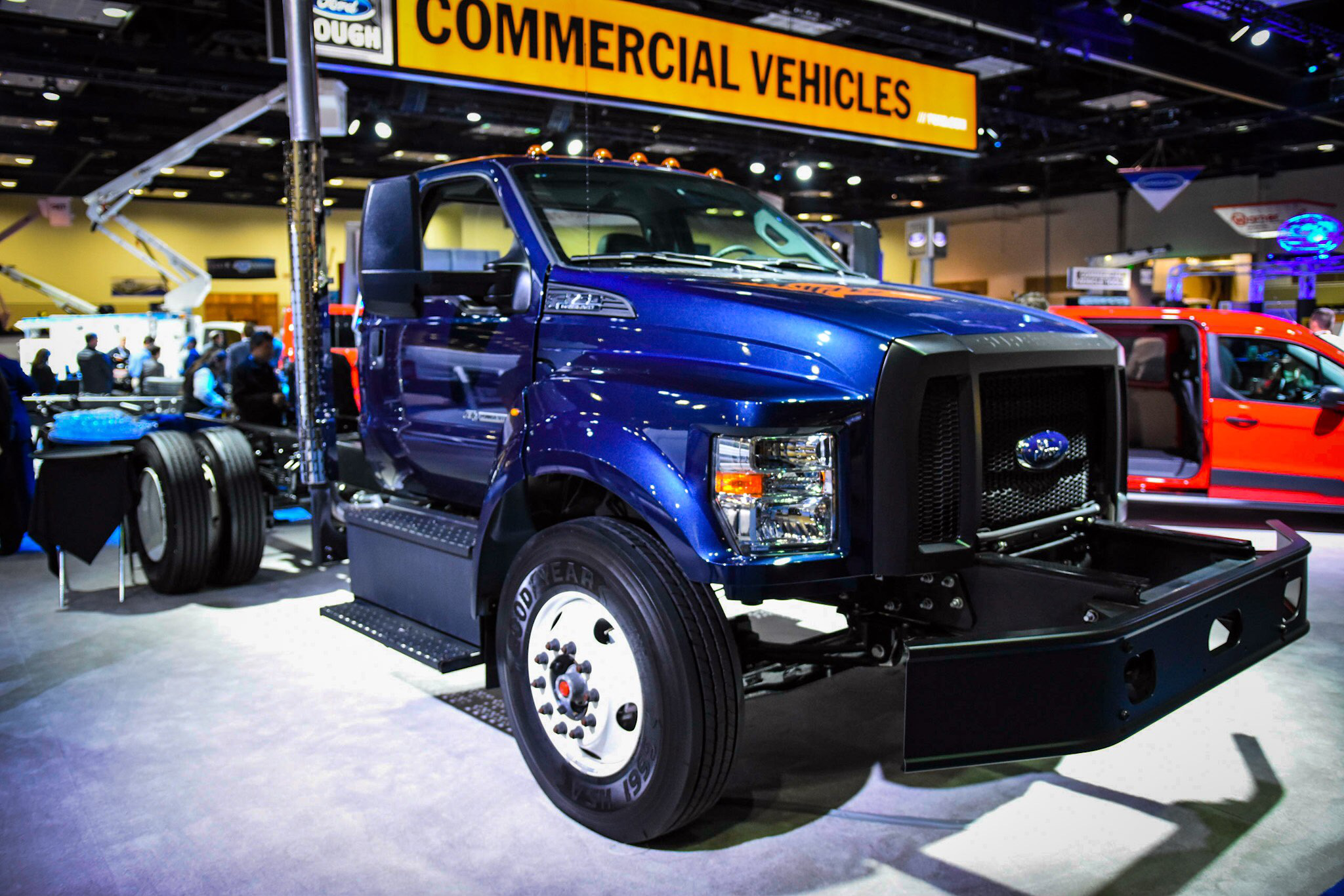 Ford Unveils 2017 F Series Chassis Cab Super Duty Trucks
