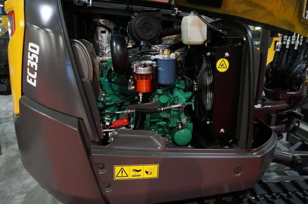 Volvo Ce Debuts Ec35d  Ecr40d Compact Excavators With