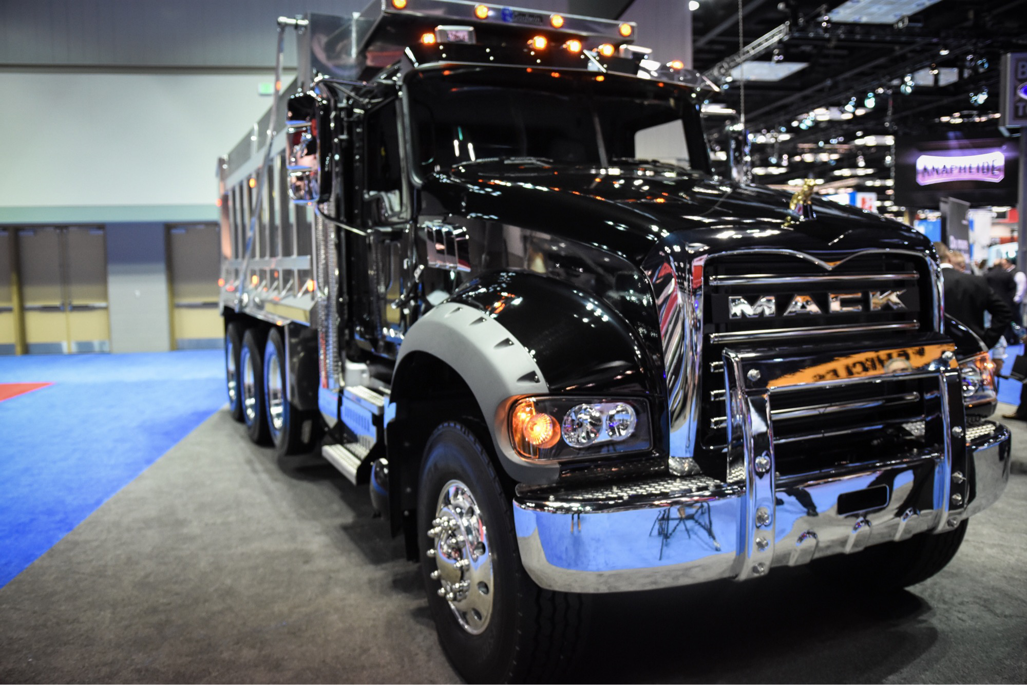 Mack adds 13- and 14-speed low-speed reduction mDRIVE HD