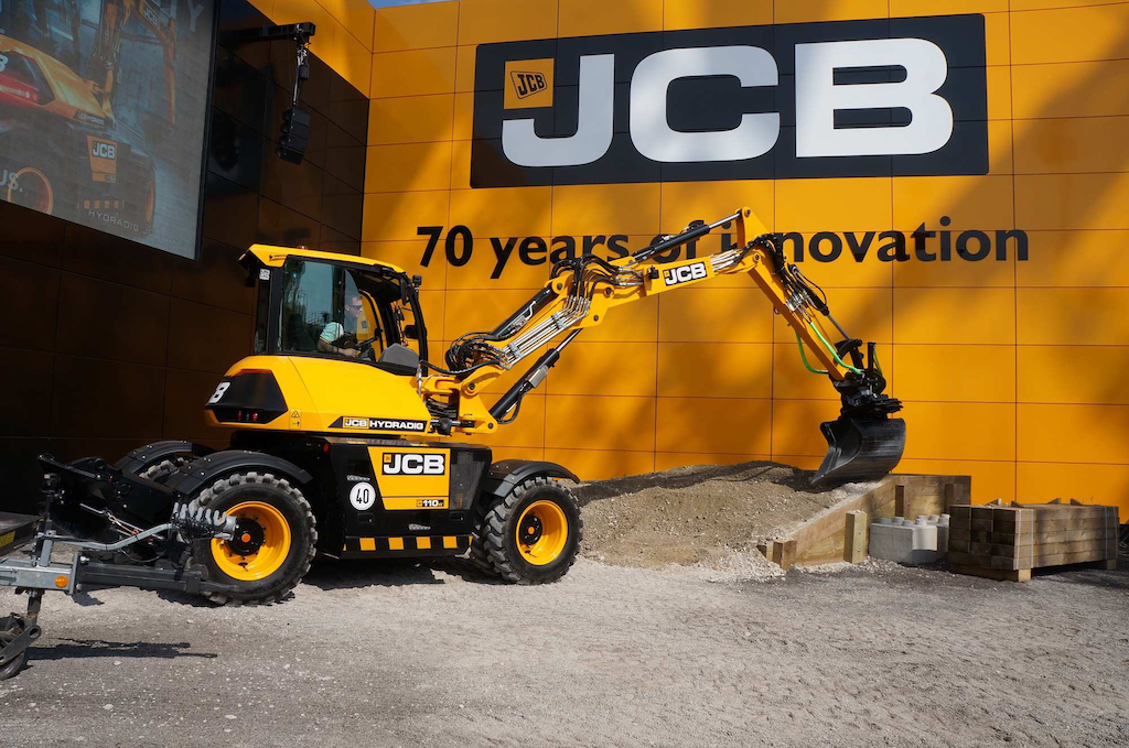 JCB unveils the Hydradig, a unique wheeled excavator