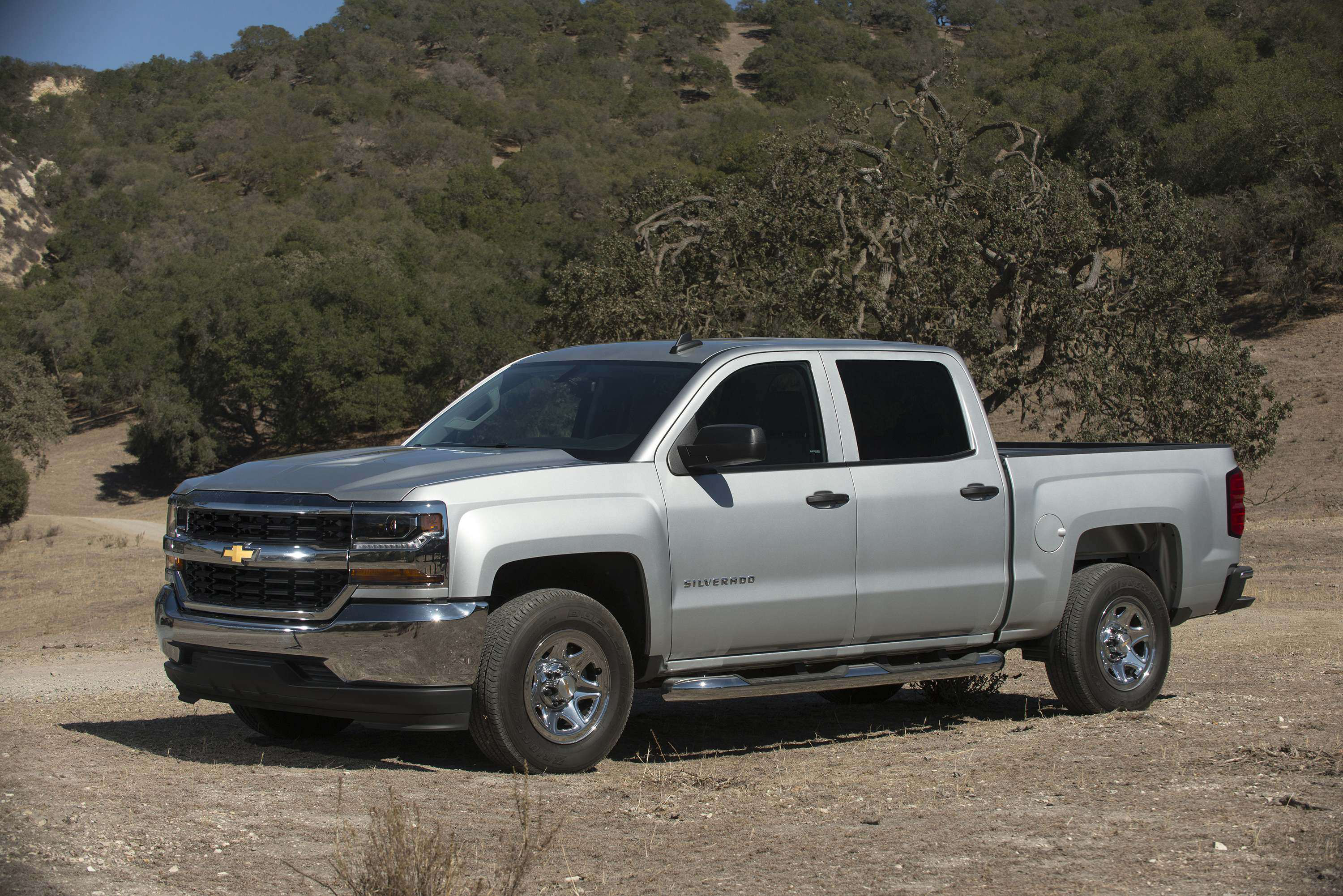 2015 2017 Chevy Silverado Gmc Sierra Pickups Recalled Due To Radio Upgrade 2016 Chevrolet 040